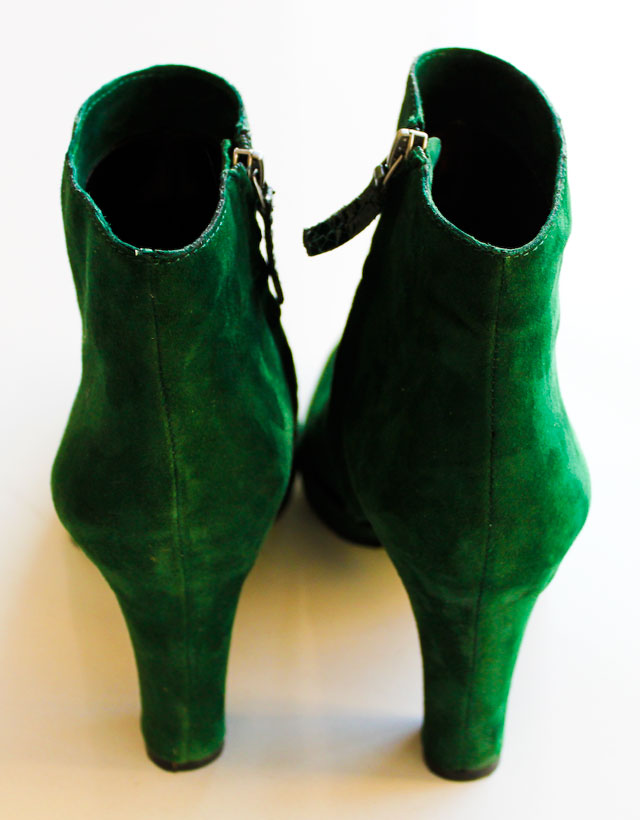 Concrete Flower: 101029: Green Boots